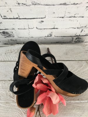 Sanita Wood Tinja Square Flex Sandal Suede Black